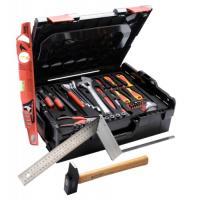 Composition multi-usage de 66 outils
