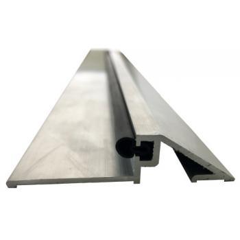 Seuil seul finition aluminium brut pour bâtiments publics