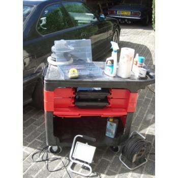 Chariot de travail mobile avec plateau ergonomique et rangements