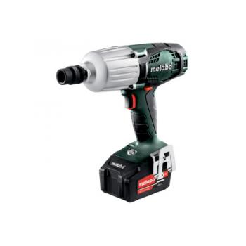 Boulonneuse à chocs sans fil 18V + 2 batteries 4Ah Li-Power + chargeur ASC 55 X145L SSW18LTX600