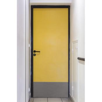 Plinthes de protection de bas de porte antibactériennes