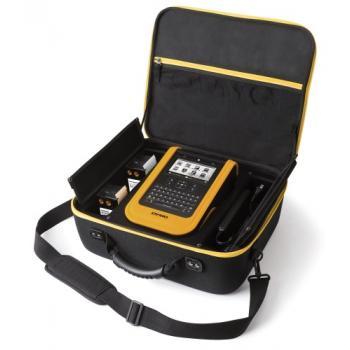 Étiqueteuse industrielle XTL 500 livrée en malette avec câble USB et chargeur